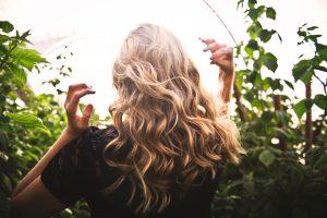 beneficios aceite de oliva para el pelo
